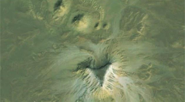 Objekty v Egypt�, které Ameri�anka Angela Micolová na�la na Google Earth