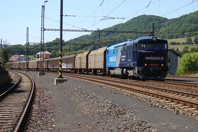Mattonky bude po kolejích p�evá�et �D Cargo a soukromá firma Autodoprava