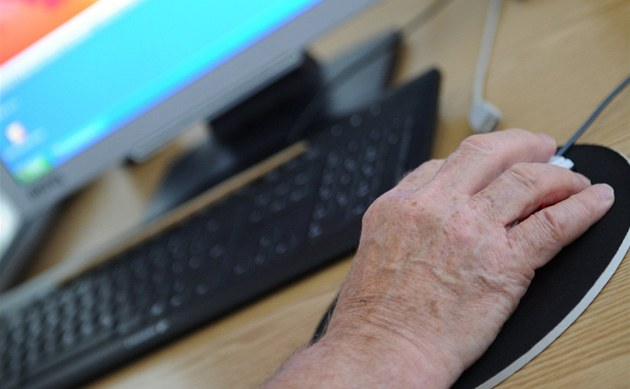 Senio�i za�ali v rámci projektu SenSen p�ispívat do internetové Národní kroniky