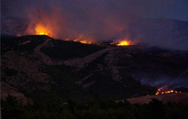 Lesní po�ár u Makarské v Chorvatsku