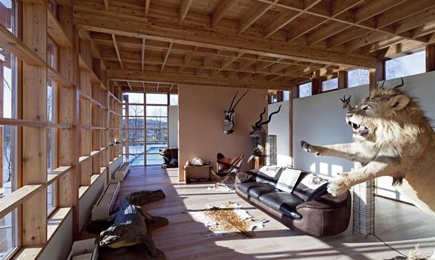 Relaxa�ní prostor v horním pat�e s krásným výhledem do krajiny majitel vyu�ívá