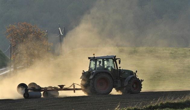 Francouzský farmá� si za vra�edný nástroj zvolil traktor