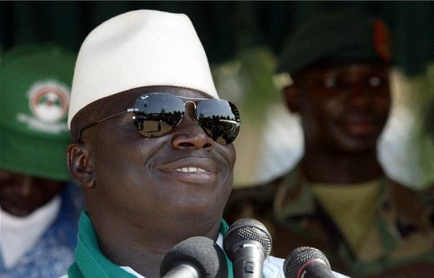 Gambijský prezident Yahya Jammeh na snímku z roku 2011
