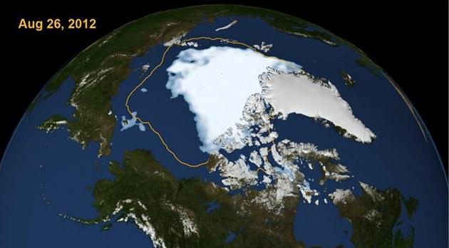 Rozloha ledu pokrývajícího Severní ledový oceán k datu 26. srpna 2012. Oran�ová