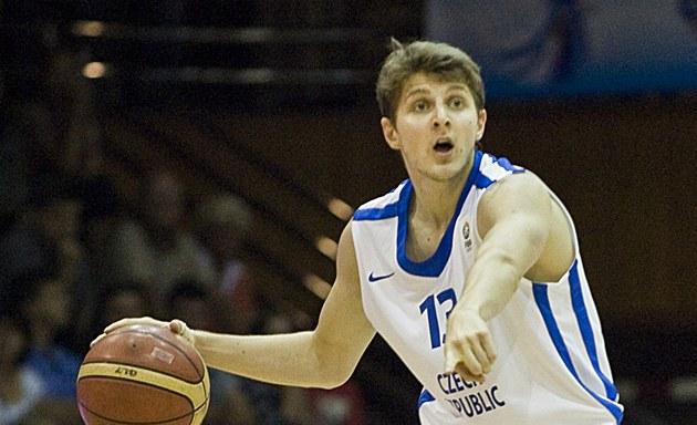 �eský rozehráva� Jakub Kudlá�ek v akci.