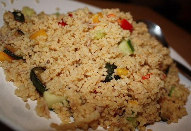 Recept online kuskus s mandlemi a pečenými paprikami lehke1280