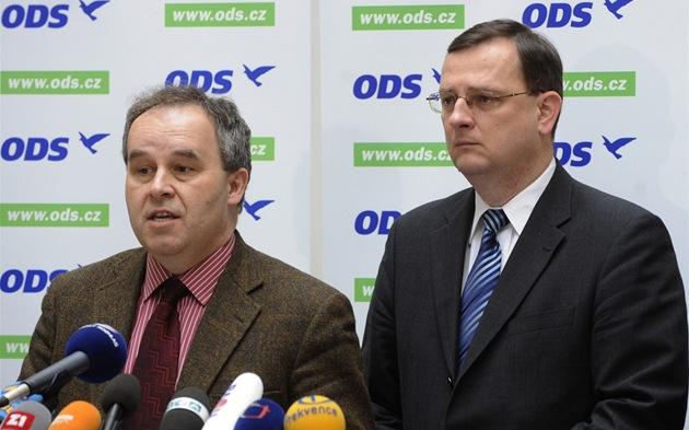 Ekonom Ji�í Schwarz a premiér Petr Ne�as