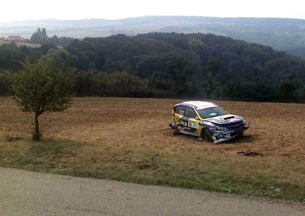 Nehoda závodního auta na Barum rally (2. zá�í 2012)
