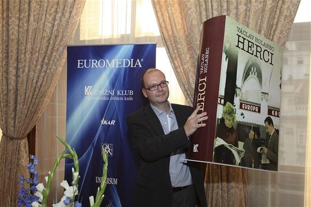 Vít�z Ceny Kni�ního klubu 2012 Václav Holanec