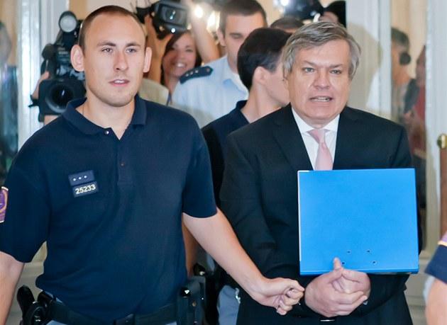 U Městského soudu v Praze začal soud s Jaroslavem Bartákem podezřelým ze