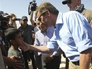 Německý ministr zahraničí Guido Westerwelle při návštěvě syrského uprchlického tábora v Jordánsku