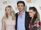 Kirsten Dunstová, Garrett Hedlund a Kristen Stewartová na premiéře filmu On The Road (Toronto, 6. září 2012)