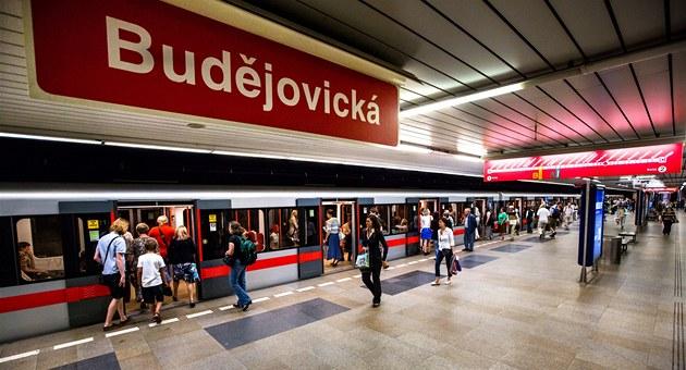 Stanice metra Bud�jovická