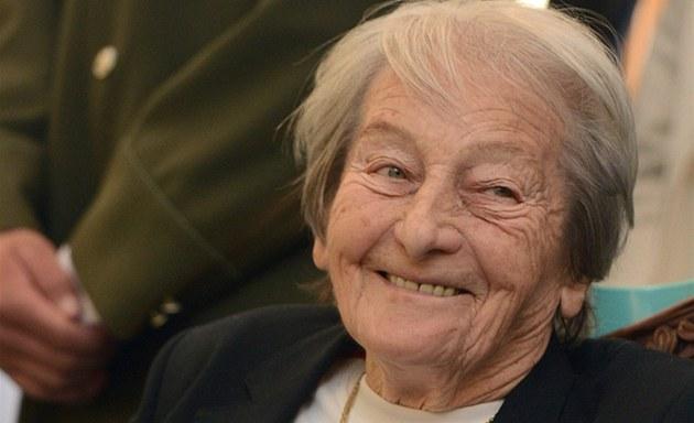 V�ECHNO NEJLEP�Í. Legendární atletka Dana Zátopková slaví 90. narozeniny.