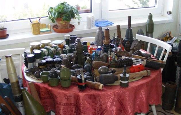 V byt� na píseckém sídli�ti Jih na�la policie desítky kus� munice.