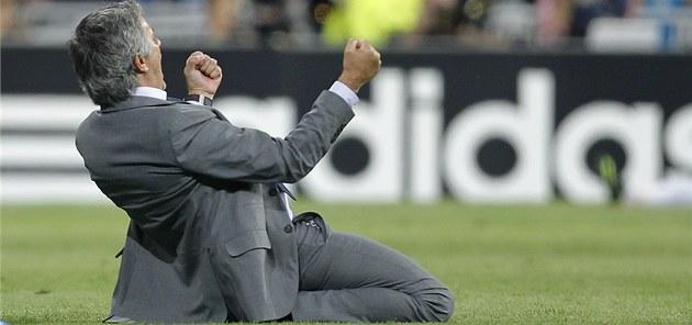José Mourinho, trenér Realu Madrid, po gólu Cristiana Ronalda, který v poslední
