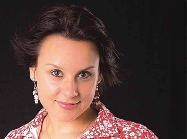 Noviná�ka Eva Fry�arová
