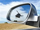 Vrtulník v zadní zrcátku Kim Dotcoma