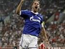 A JE TAM! Benedikt Howedes z Schalke 04 je nadšený ze vstřeleného gólu.