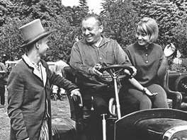 Karel Zeman s d�tmi Ludmilou a Karlem (1960)