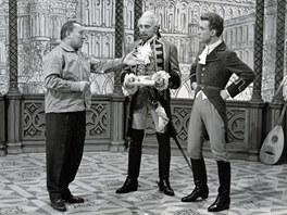Karel Zeman s herci Milo�em Kopeck�m a Rudolfem Jel�nkem p�i nat��en� filmu Baron Pr�il