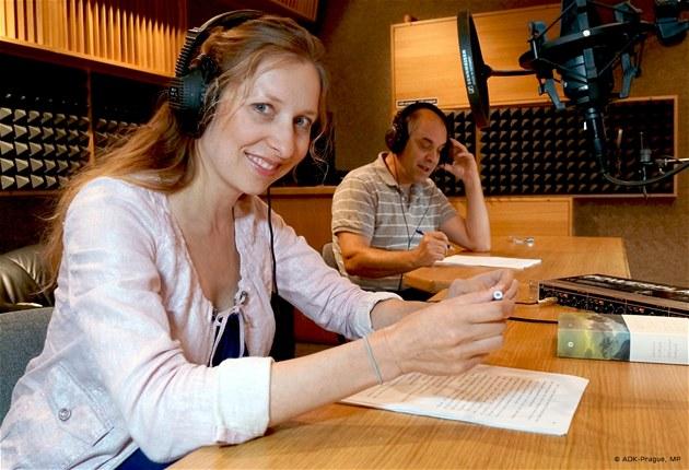 Tereza Bebarová a Miroslav Táborský při nahrávání audioknihy Žítkovské bohyně | foto: ADK-Prague, MP