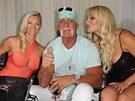 Hulk Hogan s manželkou Jennifer a dcerou Brooke (vpravo)