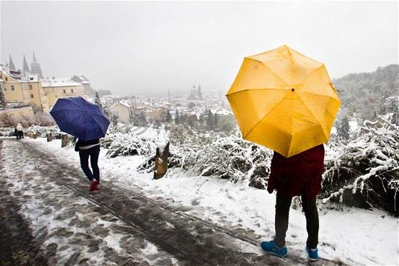 A když budete mít štěstí, a trefíte správný rok, třeba uvidíte i sníh. (Snímek je z 28. října 2012.)