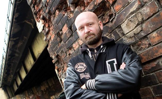 Petr Sobek je HIV pozitivní od roku 2004, v Domě světla pracuje jako asistent...