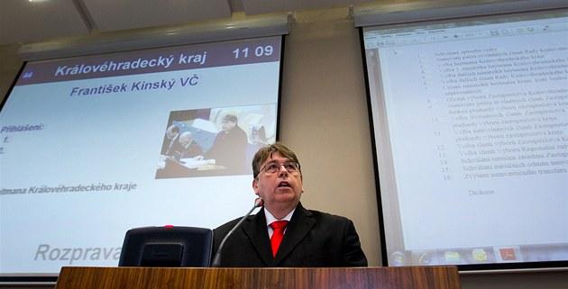 Hejtman Královéhradeckého kraje Lubomír Franc na ustavujícím jednání krajského