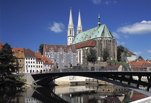 Görlitz, nádherné německé středověké město na břehu Nisy, má i český,