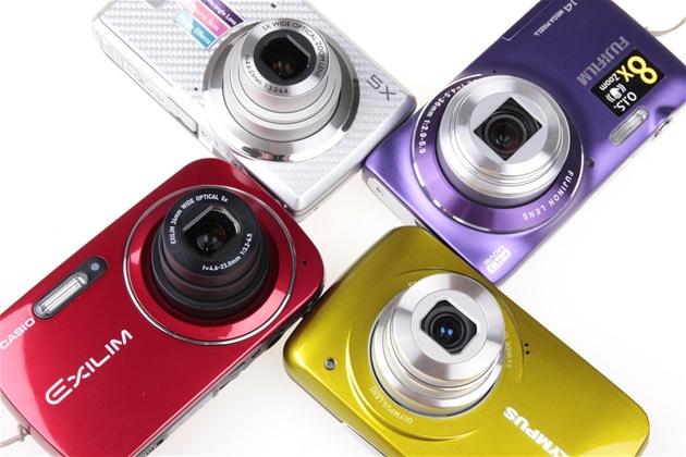 Levné fotoaparáty barvami nešetří