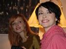 A�a Geislerov� a Tatiana Vilhelmov� po��daj� charitativn� bazar i v roce 2012.