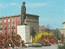 Sochu Lenina nahradila hodně odvážná plastika kyvadla.