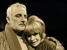 Divadlo Na z�bradl�, Praha - Bertolt Brecht - �ivot Galileiho. Na sn�mku Miloslav Mejzl�k a Marie Spurn�.