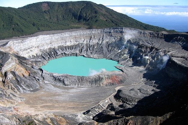 Kráter sopky Poás ve st�ední �ásti Kostariky