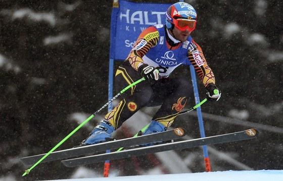 Kanaďan Jan Hudec při sjezdu na mistrovství světa v Schladmingu.