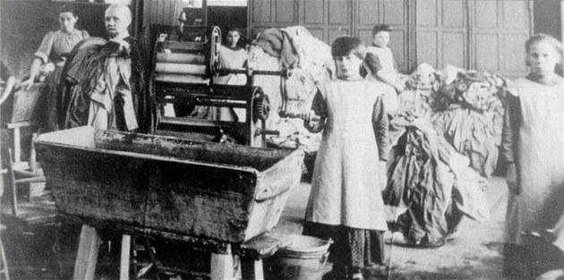 Dlouholeté tabu. Týrání a otrocká práce se dostaly na oči veřejnosti až v roce
