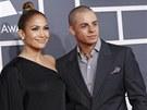 Grammy za rok 2012 - Jennifer Lopezovou doprovodil její přítel Casper Smart.