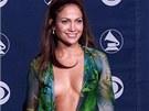 V roce 2000 přišla Jennifer Lopezová na Grammy oblečená neoblečená.