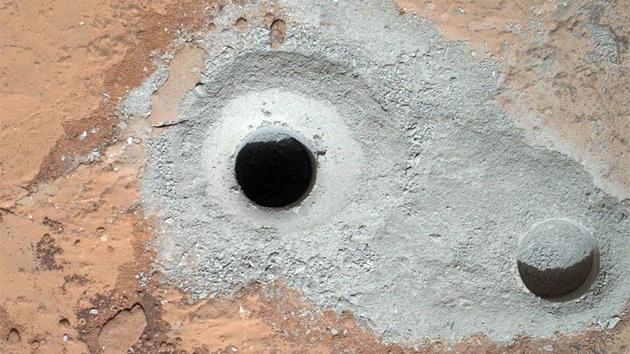 Curiosity na Marsu se činí