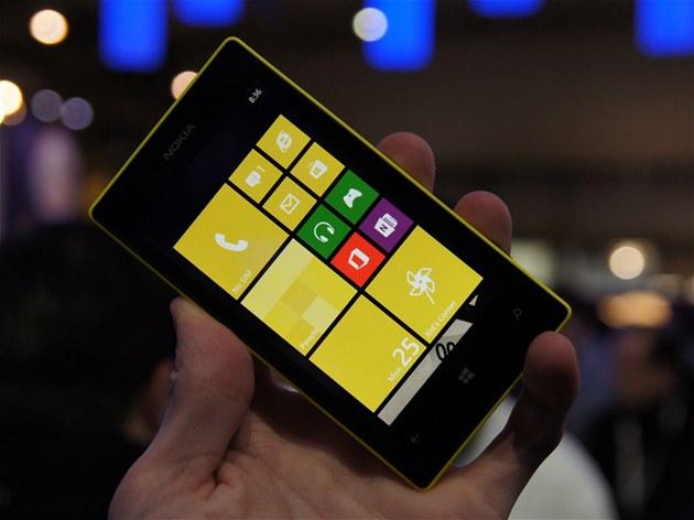 Nokia Lumia 520 na veletrhu MWC v Barcelon�