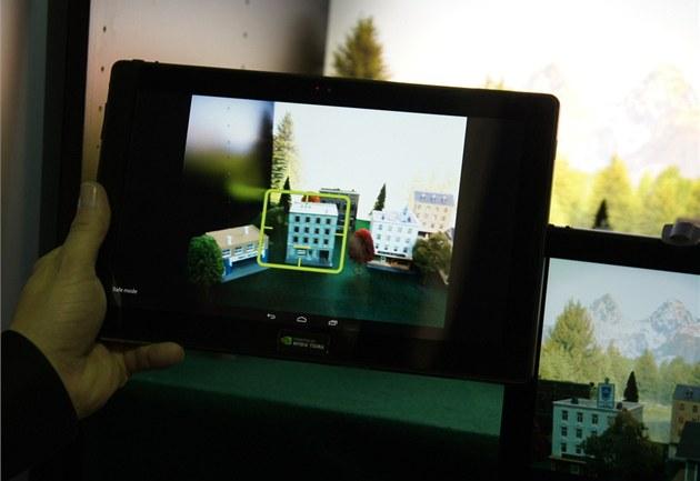 Ukázka funkce sledování objektu p�i fotografování nebo natá�ení videa na stánku