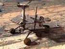 Vozítko Opportunity se prohání po povrchu Marsu od roku 2004. Za tu dobu stihlo najezdit přes 35 kilometrů.