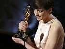 Anne Hathawayová získala Oscara za nejlepší herecký výkon ve vedlejší roli (2013).