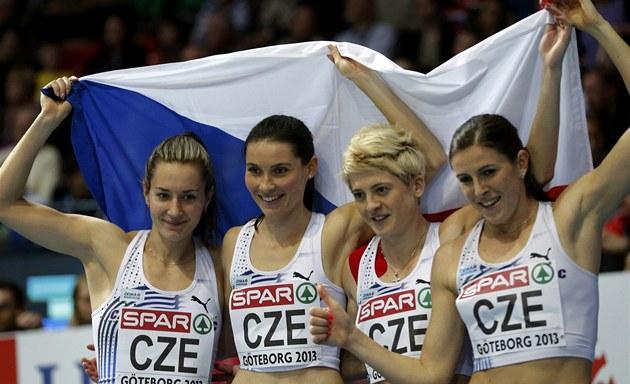 TŘETÍ! České běžkyně Denisa Rosolová, Jitka Bartoničková, Lenka Masná a Zuzana