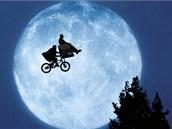 Klaus jako E.T.