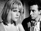 Olga Schoberová a Stanislav Fišer ve filmu Slečny přijdou později (1966)