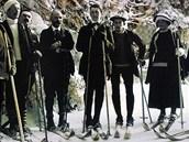 Více než měsíc před závodem - v únoru 1913 - se Hanč (uprostřed) vydal na cestu k Vosecké boudě. Podle popisku u snímku to byla výprava...