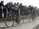 """ŠVÝCARSKÝ LUCIFER. Jednorázovému závodu Paříž-Roubaix se kvůli náročnému profilu přezdívá """"Peklo severu"""" a jeho pánem se už potřetí stal Fabian Cancellara z týmu RadioShack."""